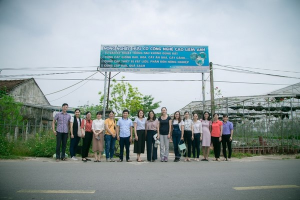 Visit to Liem Anh High-Tech Organic Farming Cooperative